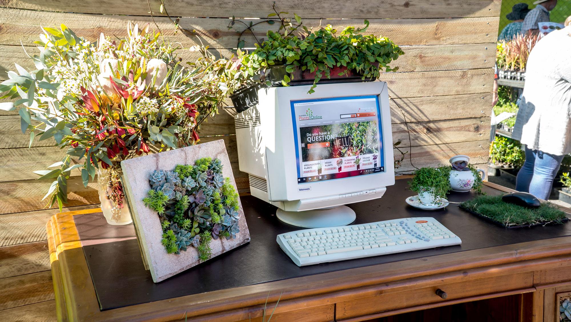 Contact QGE - planter computer
